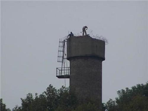 人力拆除水塔